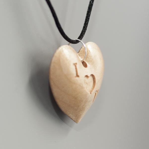 I (heart) U Necklace